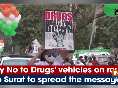 'Say No to Drugs' vehicles on round in Surat to spread the message