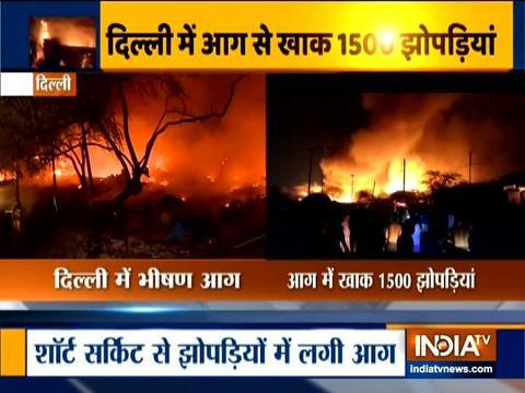 दिल्ली: तुगलकाबाद की झुग्गियों में भीषण आग, किसी के हताहत होने की सूचना नहीं