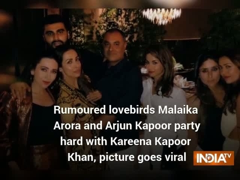 Rumoured lovebirds Malaika Arora and Arjun Kapoor party hard with Kareena Kapoor Khan, picture goes viral