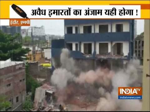 इंदौर में अवैध बहुमंजिला इमारत को ध्वस्त किया गया