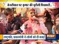 Kumar Vishwas takes dig at political leaders through poetry during holi celebrations