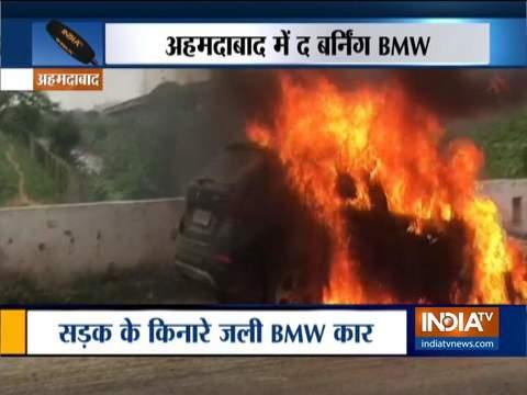 अहमदाबाद में बीएमडब्ल्यू कार में लगी भीषण आग, कोई हताहत नहीं