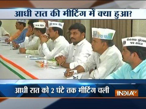 Kapil Sibal meets Patidar leaders, Hardik Patel seek 3 days to respond to Congress