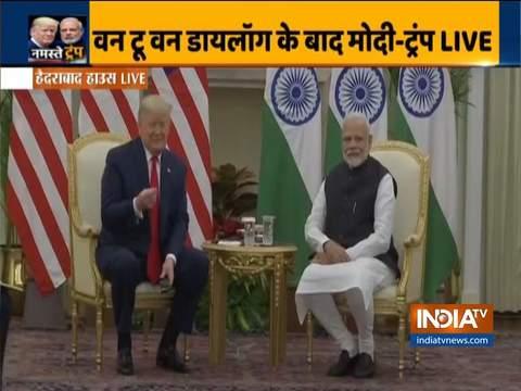 अमेरिकी राष्ट्रपति डोनाल्ड ट्रम्प और पीएम मोदी ने हैदराबाद हाउस में द्विपक्षीय वार्ता की