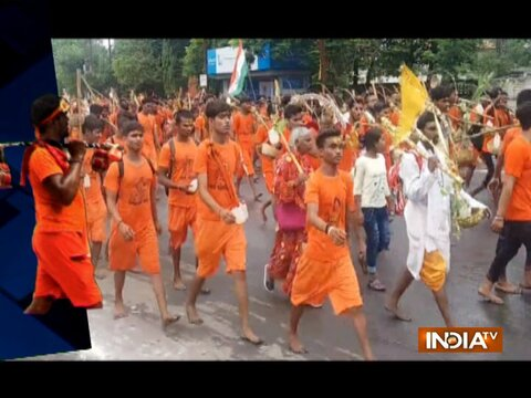 SC takes note of UP govt's decision to allow 'Kanwar Yatra', issues notice to state