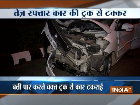 Speeding car collides with truck near ITO in Delhi, 7 injured