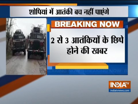 Gunbattle underway between terrorists and security forces in Jammu & Kashmir's Shopian, 2-3 terrorists believed to be trapped