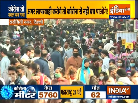 People throng Delhi's Sarojini Nagar market in large numbers despite spike in coronavirus cases