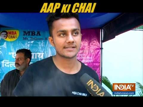 AAP Ki Chai: एमबीए ग्रेजुएट ने AAP कार्यालय के बाहर चाय की दुकान लगाई