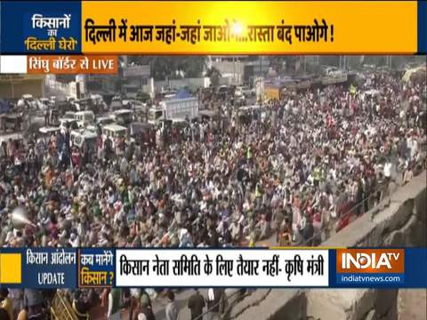 Thousands of farmers gather at Singhu border, stage protest with cattle