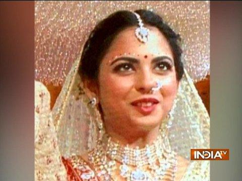 देखिए ईशा अंबानी-आनंद पीरामल की शादी की पहली तस्वीरें
