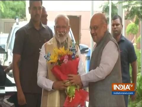 मंत्रियों के साथ बैठक के लिए बीजेपी हेडक्वार्टर पहुंचे प्रधानमंत्री मोदी