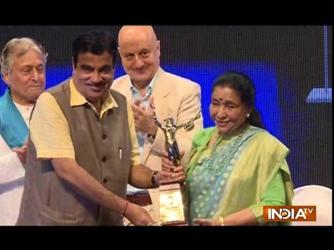Anupam Kher, Asha Bhosle honoured with Master Deenanath Mangeshkar Award