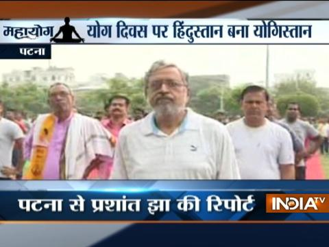 Public perform Yoga in Nagpur, Patna, Faridabad & other cities on International Yoga Day