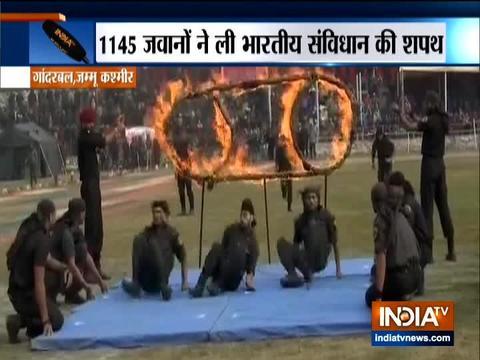 जम्मू और कश्मीर में 1145 जवनो ने ली सविंधान की शपत