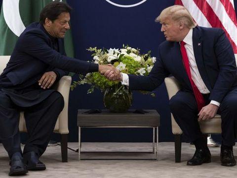 Davos summit: इमरान खान से मिले डोनाल्ड ट्रंप, फिर की कश्मीर पर मध्यस्थता की पेशकश