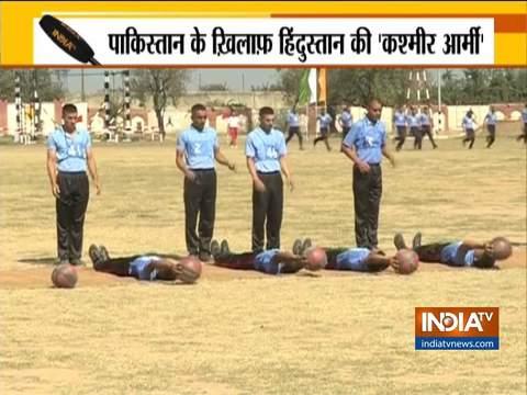 श्रीनगर के ट्रैंनिंग कैंप में कश्मीरी युवक बड़े उत्साह के साथ सेना भर्ती परीक्षा की तैयारी करते नज़र आये