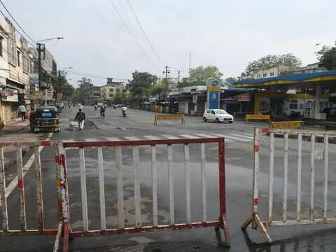 Uttar Pradesh extends Corona Curfew till May 24