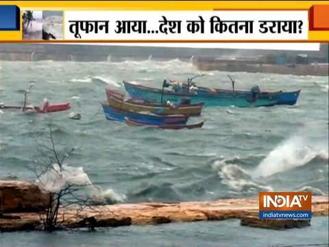 चक्रवाती तूफान वायु: पोरबंदर की बंदरगाह पर खड़ी 40 छोटी नावें समंदर में बहीं