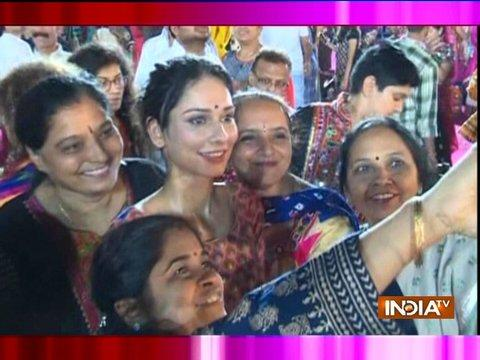 This is how Aneri Vajani and Puja Banerjee are enjoying Navratri 2017