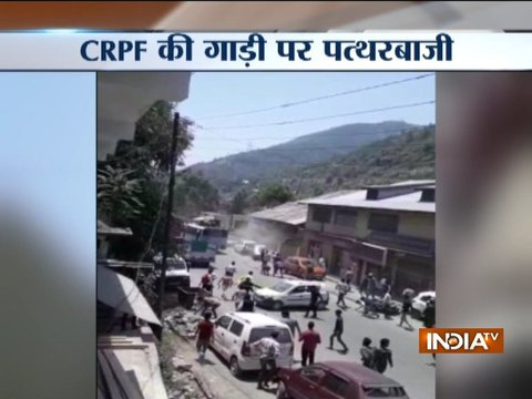 Locals pelt stone over CRPF vehicle in Jammu