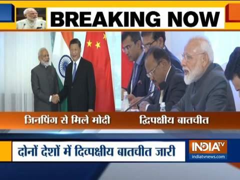 SCO Summit के इतर एक-दूसरे से गर्मजोशी से मिले मोदी और शी जिनपिंग, दोबारा PM बनने के बाद पहली मुलाकात
