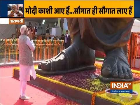 वाराणसी में पीएम मोदी ने दीनदयाल की 63 फीट ऊंची मूर्ति का अनावरण किया