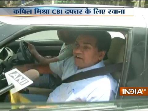 Delhi: Sacked AAP Minister Kapil Mishra reaches CBI to file FIR