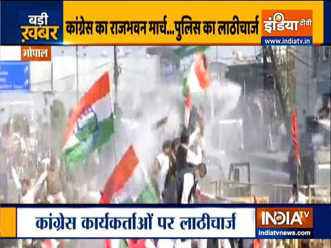 MP Police lathi charge on congress workers marching to Raj Bhavan in Bhopal