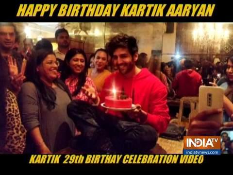 Kartik Aaryan celebartes birthday with media