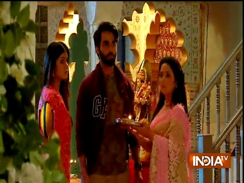 Vedika makes a royal entry to Agrawal's house