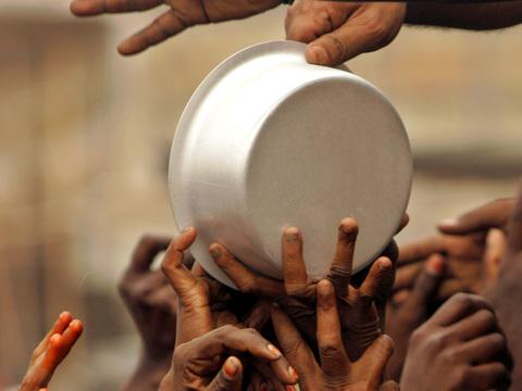 रिकॉर्ड उत्पादन के बाद भी भारत में भूख से मर रहे हैं लोग, जानिए क्या है दुनिया में हमारी स्थिति