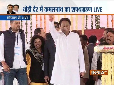 मध्य प्रदेश के 18वें मुख्यमंत्री बने कमलनाथ, राहुल गांधी, अशोक गहलोत और सचिन पायलट भी रहे मौजूद