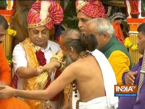 Gujarat CM Vijay Rupani and Deputy CM Nitinbhai Patel offer prayers at the Jagannath Temple in Ahmedabad