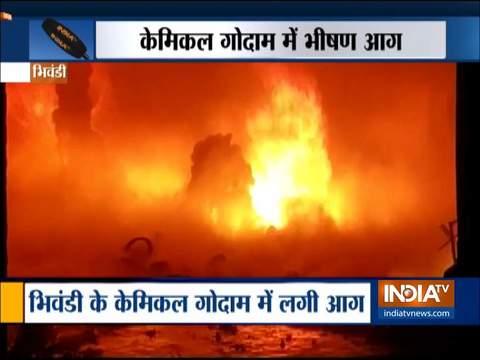 भिवंडी के गोदाम में लगी भीषण आग, लाखों का सामान नष्ट