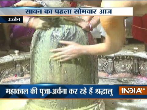 Devotees across India throng temples on the occasion of Guru Purnima