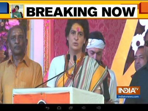 प्रधानमंत्री को लोगों को बेवकूफ समझना छोड़ देना चाहिए: प्रियंका गांधी