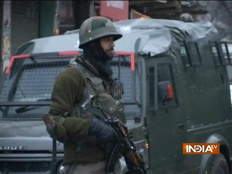 Gunbattle between security forces, militants in Jammu & Kashmir's Baramulla, no casualty so far