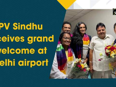 PV Sindhu receives grand welcome at Delhi airport