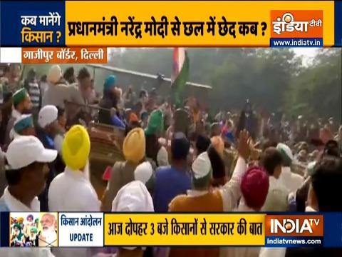 दिल्लीः गाजीपुर सीमा पर किसानों ने तोड़े बैरिकेड