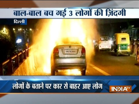 Fire broke out in a moving car on Moti Bagh Flyover in Delhi