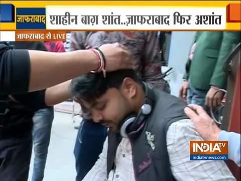 जाफराबाद के मौजपुर में पत्थराव के दौरान इंडिया टीवी का कैमरामैन घायल