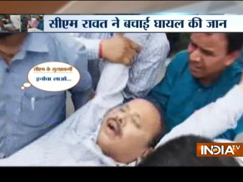 Uttarakhand CM Trivendra Singh Rawat rescues unconscious man lying on road