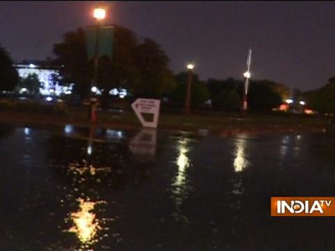 Rain And Thunderstorms Bring Down Temperature In Delhi