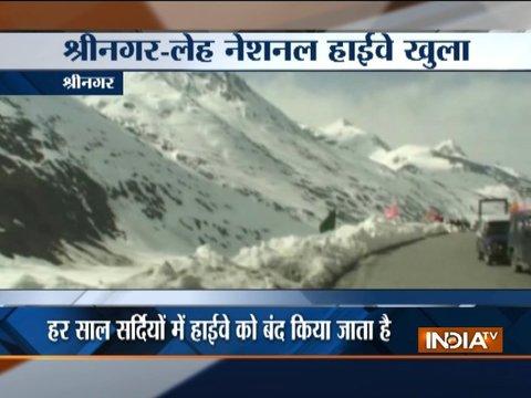 Srinagar-Leh highway opens for traffic