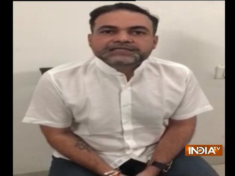 Delhi: होटल के बाहर बंदूक लहराने के आरोपी आशीष पांडे में पटियाला हाउस कोर्ट में किया सरेंडर