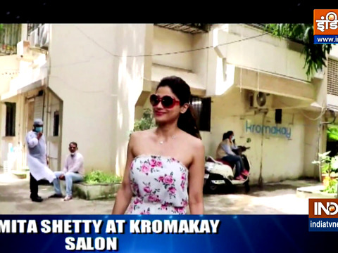 सैलून पहुंचीं शमिता शेट्टी, देखें आपके फेवरेट सेलेब्स क्या कर रहे हैं