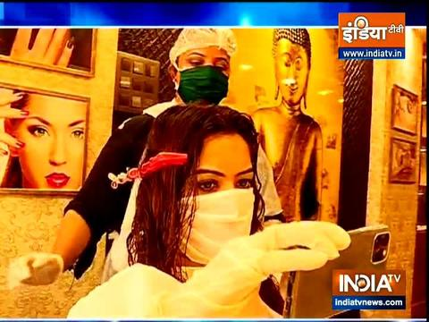 Shilpa Raizada pampers herself with hair spa