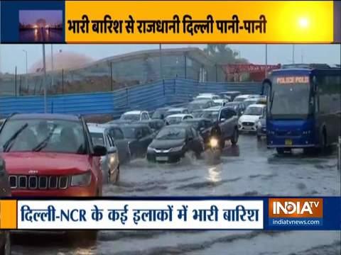 राष्ट्रीय राजधानी में बारिश के कारण जलभराव और ट्रैफिक जाम की स्थिति उत्पन्न हुई