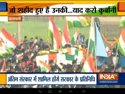 Pulwama terror attack: Thousands gather to pay last respect to martyrs